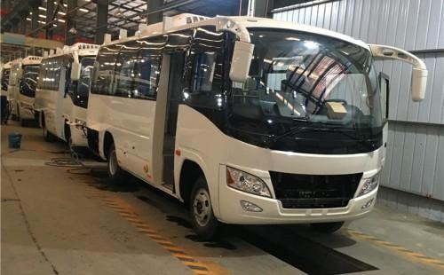 东风莲花31座客车(7.5米)